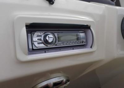 Bennington 24TriToon Misc Stereo