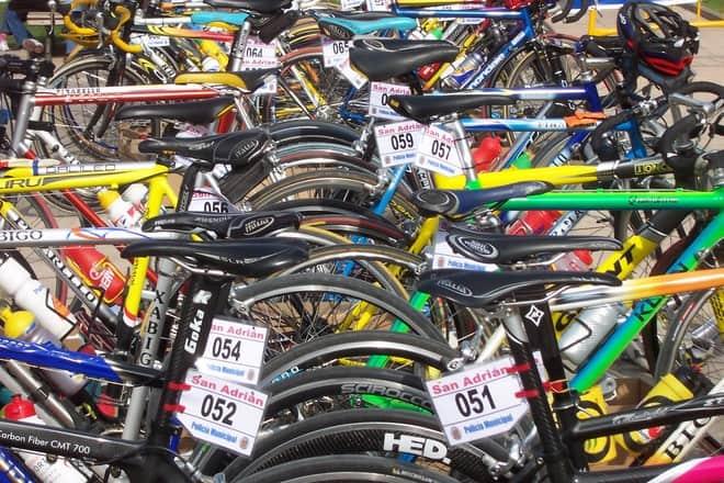 bicicles 1563442
