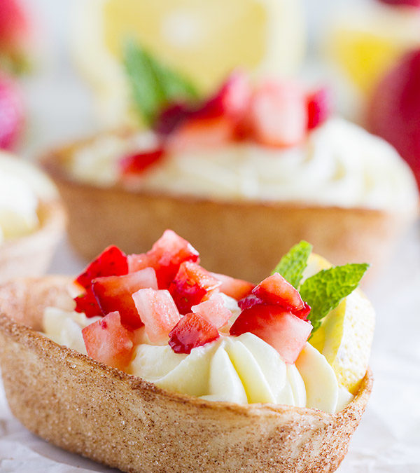 Lemon Cream Taco Boats