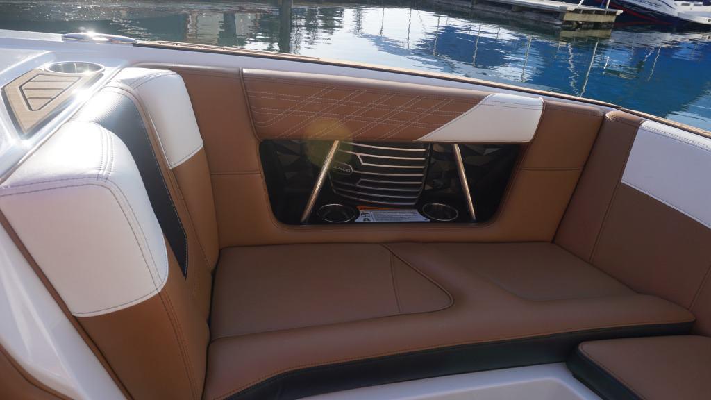 air nautique rental g21 int5