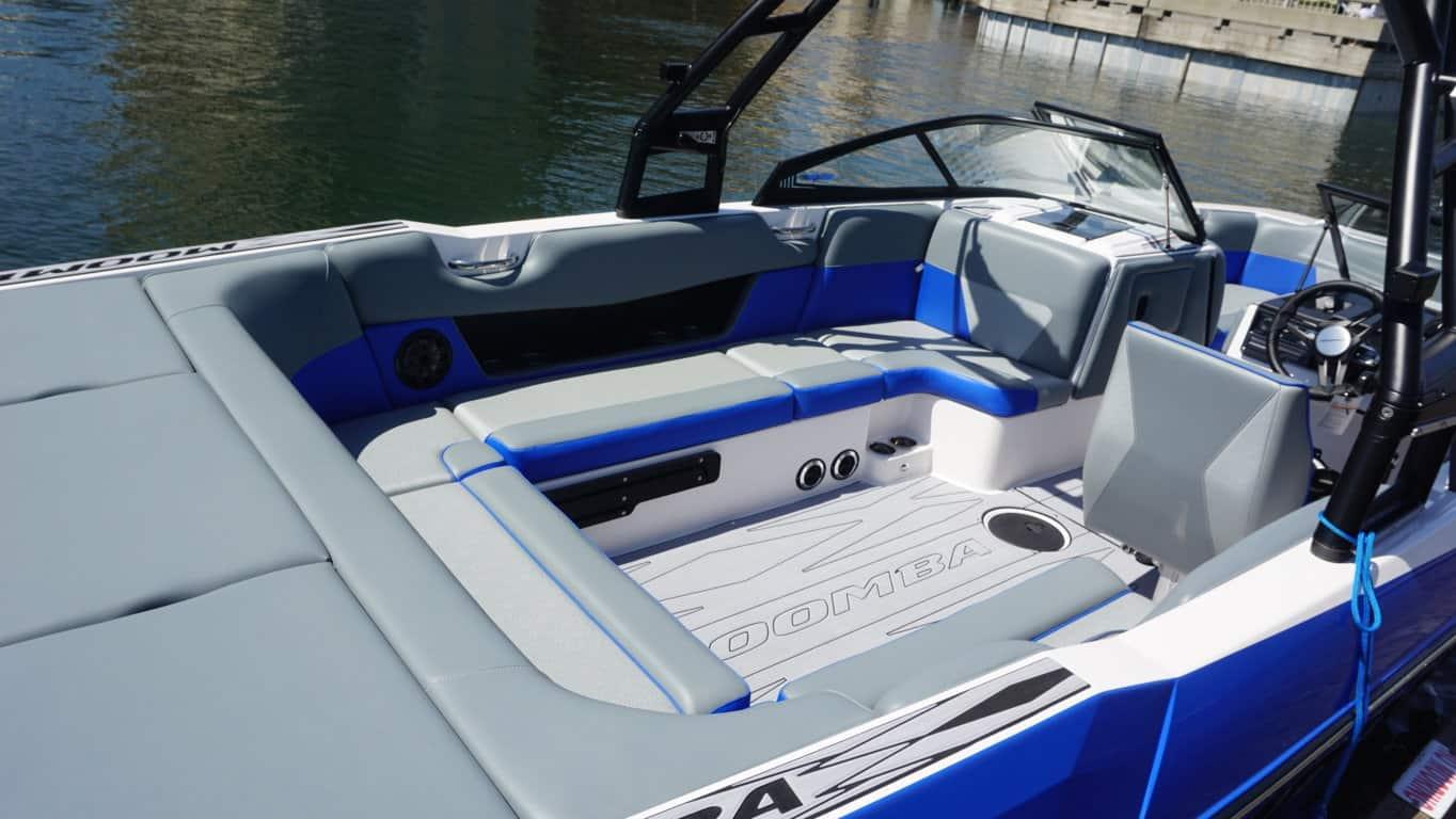 moomba max blue rental int3
