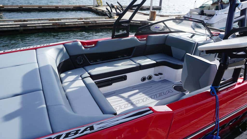moomba max red rental int2