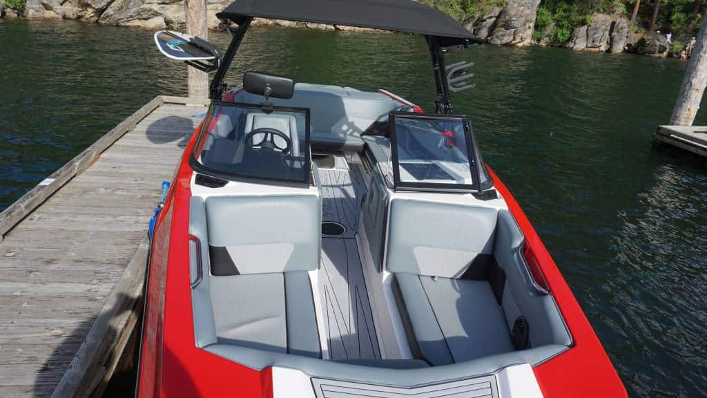moomba max red rental int4