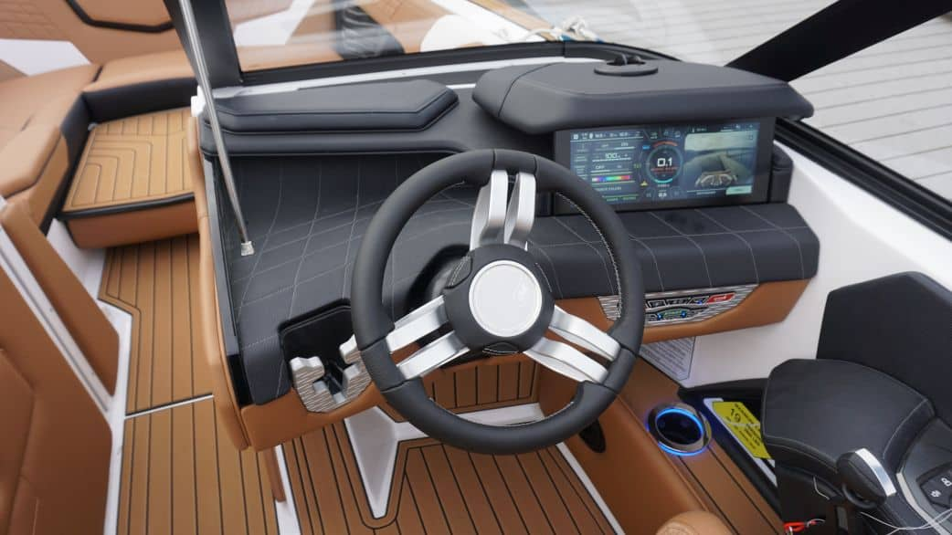 2021 super air nautique surf boat rental g25 coeur dalene interior view helm