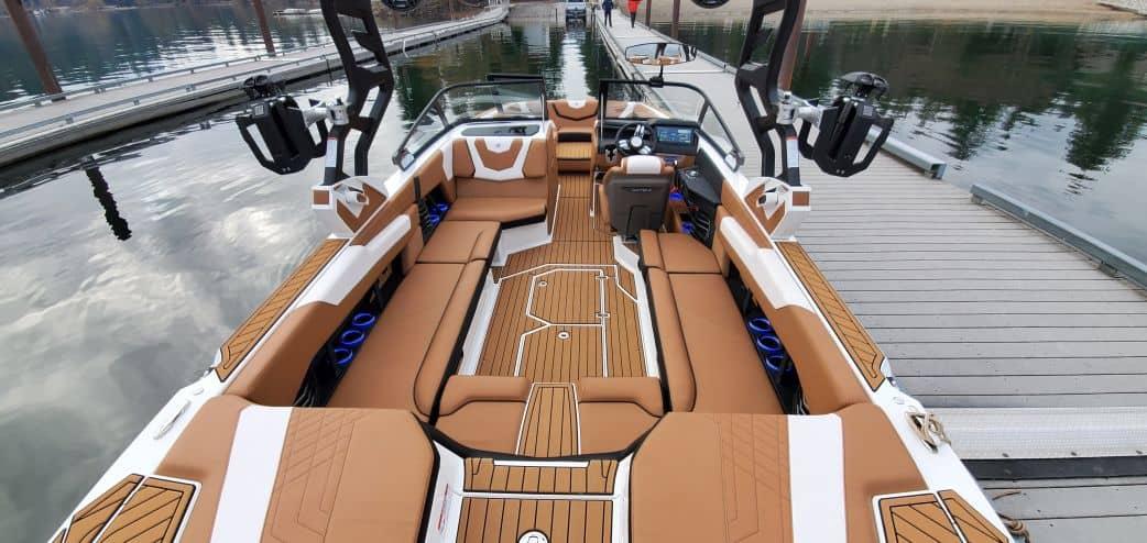 2021 super air nautique surf boat rental g25 coeur dalene interior view forward